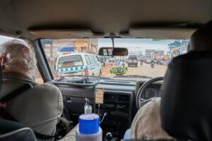 Reisen nach Uganda sind auch auf der Verkehrsstrasse ein Abenteuer.