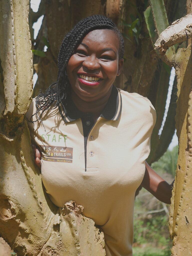 Sarah leitet die Gorilla Safari Gruppenreise für Uganda Trails